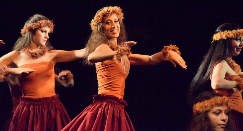 Kultura, nauczysz hawajskiego tańca - zdjęcie, fotografia
