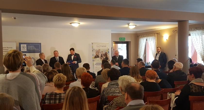 Wiadomości, Nagrody społeczników samorządowców organizacji pozarządowych - zdjęcie, fotografia