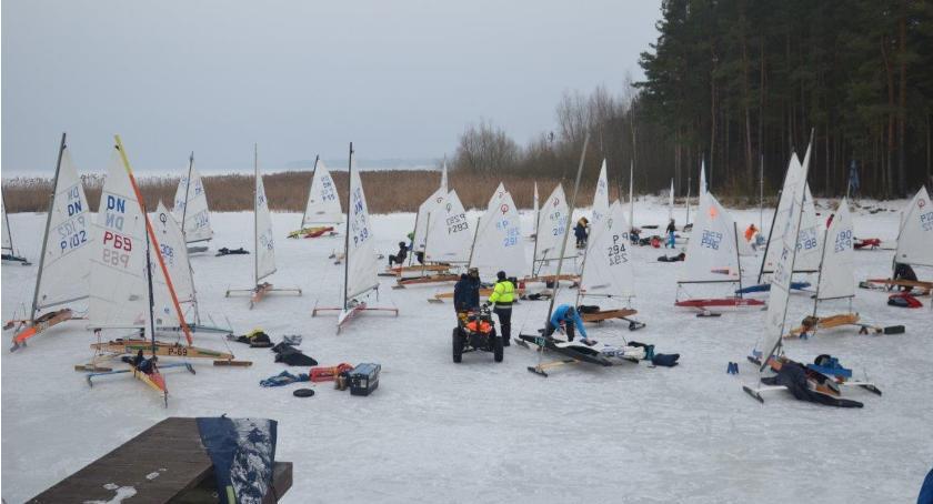 Sport, zalewie Siemianówka ścigają regaty - zdjęcie, fotografia