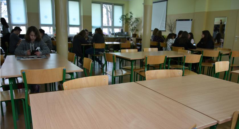 Wiadomości, Będą pieniądze doposażenie stołówek szkolnych - zdjęcie, fotografia