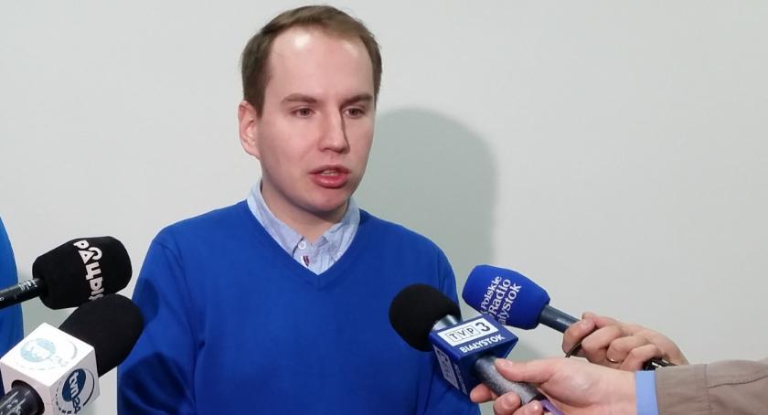 Wiadomości, Andruszkiewicz odpiera doniesienia stacji - zdjęcie, fotografia
