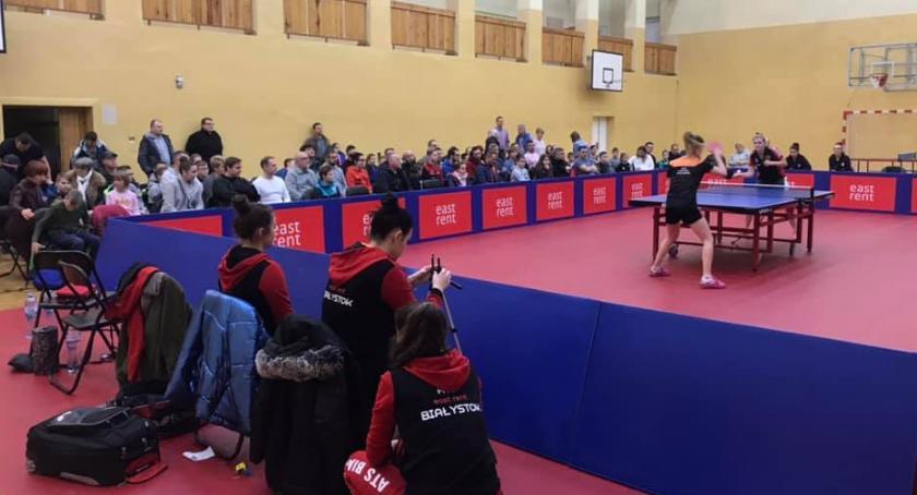 Sport, Tenisistki dały rywalkom - zdjęcie, fotografia