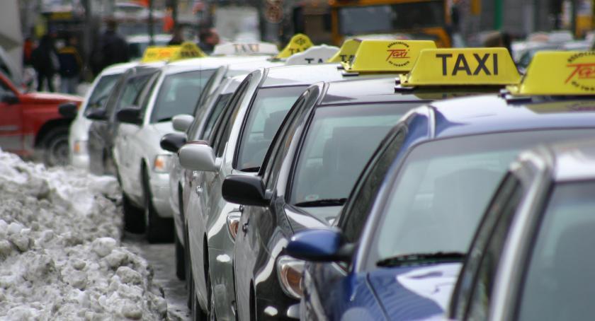 Gospodarka, Taksówkarze generują spore długi - zdjęcie, fotografia