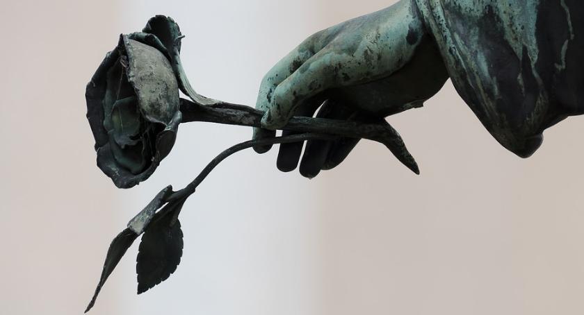 Wiadomości, Przed żałoby narodowej śmierci premiera Olszewskiego - zdjęcie, fotografia