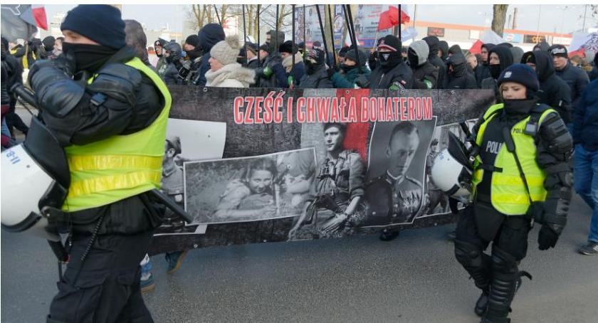 Wiadomości, Apelacyjny pozwolił organizację Marszu Żołnierzy Wyklętych - zdjęcie, fotografia