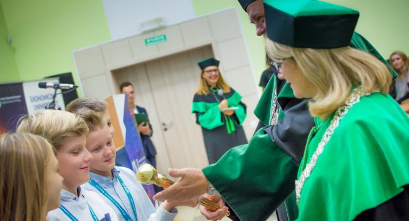 Wiadomości, Ekonomiczny Uniwersytet Dziecięcy rekrutuje - zdjęcie, fotografia