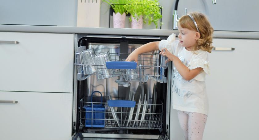 Styl życia, Dzieci obowiązki domowe powinny pomagać - zdjęcie, fotografia
