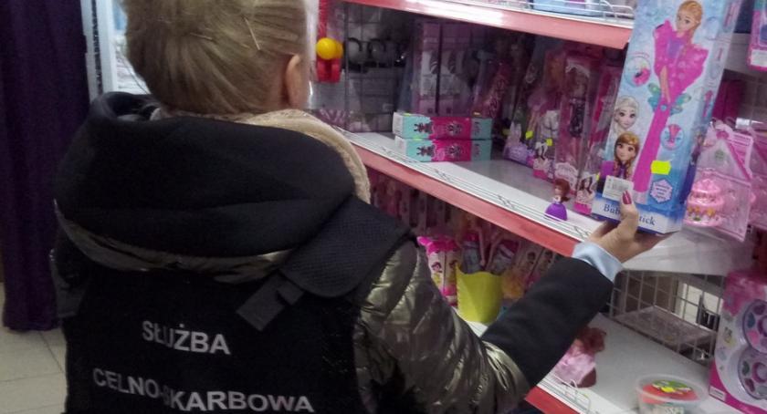 Wiadomości, Podrobione zabawki zniknęły sklepu - zdjęcie, fotografia