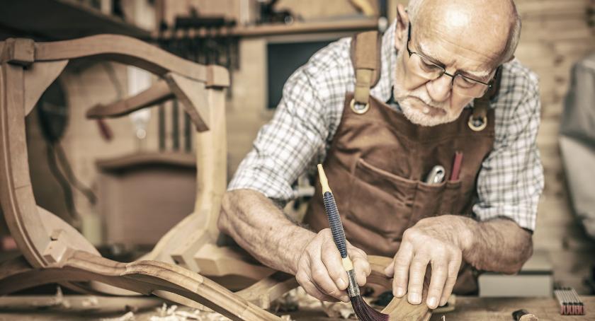 Gospodarka, Senior może pójść pracy dużo zarobi - zdjęcie, fotografia