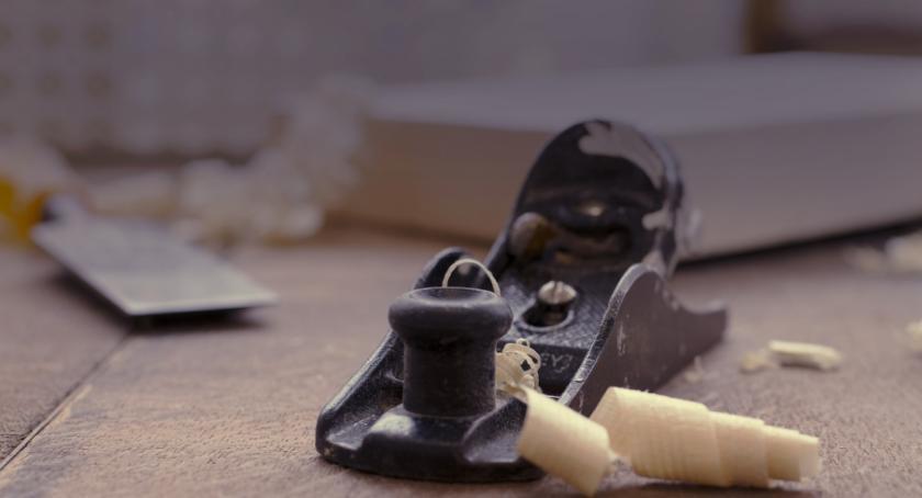 Nieruchomości, Pielęgnacja drewnianych podłóg łazience - zdjęcie, fotografia