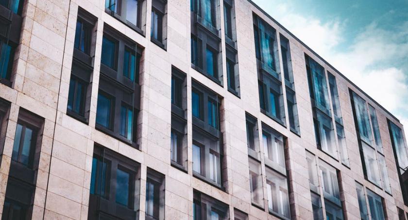 Nieruchomości, Zakup nieruchomości firmę - zdjęcie, fotografia