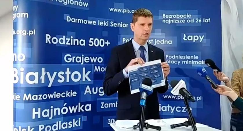 """Wiadomości, Najpierw emeryci podróżni później rodzice dziećmi będą korzystać Polacy """"Piątki PiS"""" - zdjęcie, fotografia"""