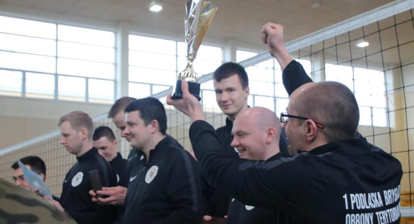 Sport, brązowym medalem skończyli Terytorialsi zawody siatkówce - zdjęcie, fotografia