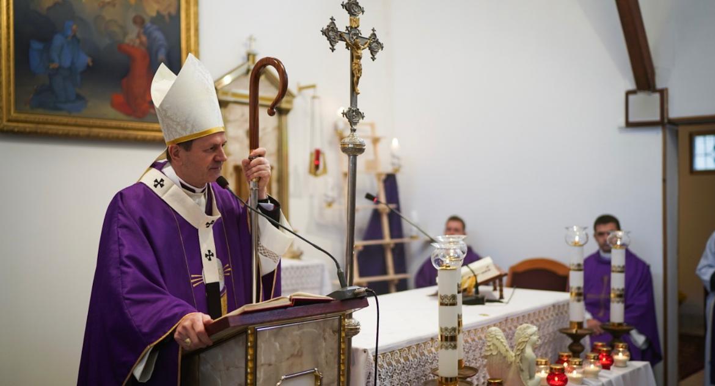 Wiadomości, Arcybiskup Wojda jednoznacznie ocenia ideologię gender kartę - zdjęcie, fotografia