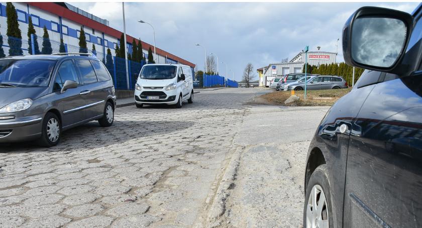 Wiadomości, Trzeba budować kolejne osiedlowe ulice - zdjęcie, fotografia