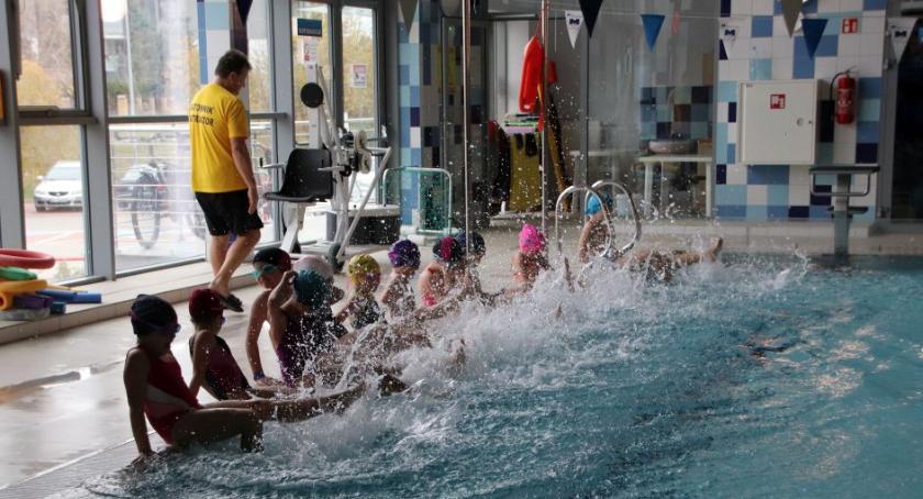 Styl życia, BOSiR szansę którzy wierzą będą pływać - zdjęcie, fotografia