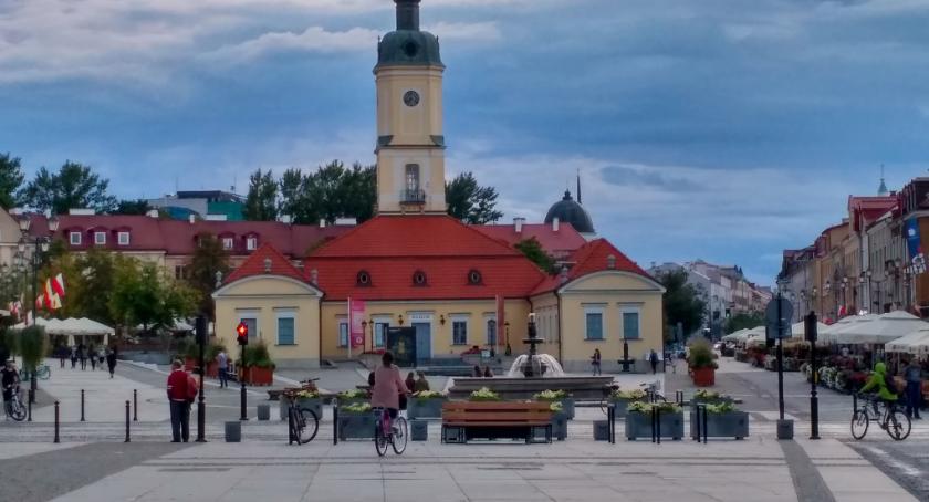 Styl życia, Mówiących polsku obcokrajowców Polacy akceptują - zdjęcie, fotografia