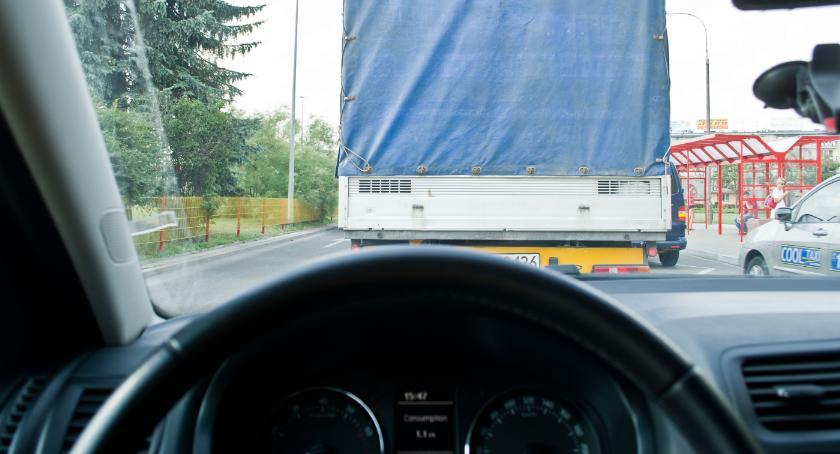 Gospodarka, Podlasiu brakuje kierowców robotników budowlanych - zdjęcie, fotografia