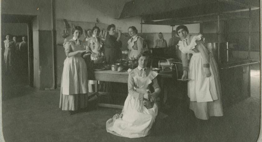 Kultura, Muzeum Podlaskie przedstawi bliżej kobiet - zdjęcie, fotografia