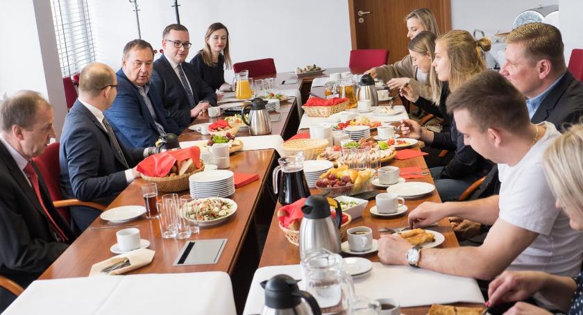 Wiadomości, było prawdziwe śniadanie mistrzów Marszałka - zdjęcie, fotografia