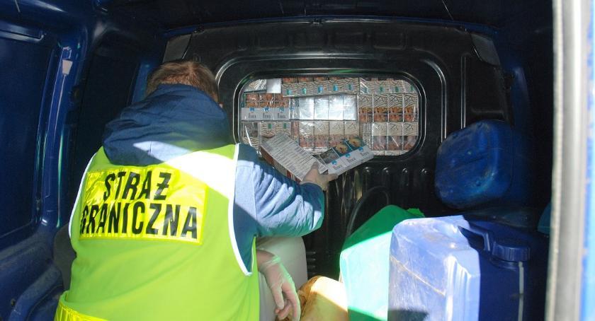 Wiadomości, Papierosowa kontrabanda wykryta przez celników - zdjęcie, fotografia