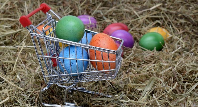 Gospodarka, Pracodawcy coraz częściej oferują pracownikom prezenty świąteczne - zdjęcie, fotografia