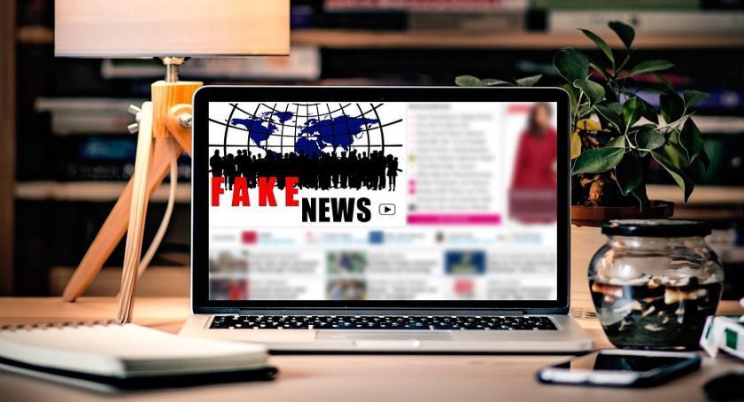 Felietony, prozą tworzy newsy - zdjęcie, fotografia