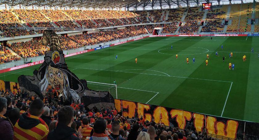 Piłka nożna, Kibice mają plany majówkę Jagiellonią Narodowym - zdjęcie, fotografia