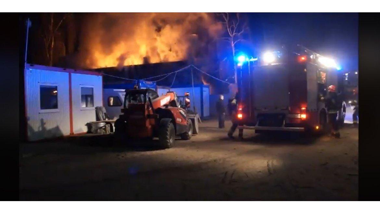 Wiadomości, znów pożar Angielskiej rozpocznie seria - zdjęcie, fotografia
