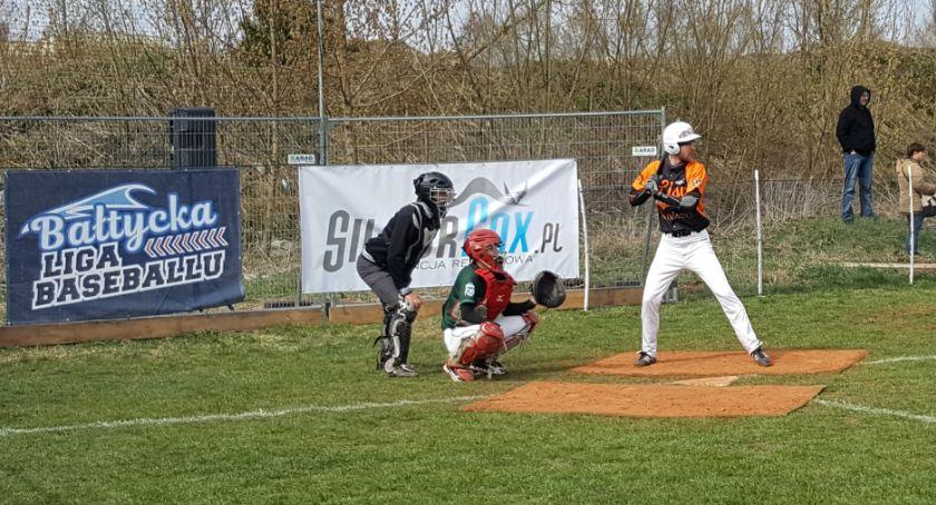 Sport, Niecodzienne zawody sportowe Białymstoku boiskach zmagali baseboliści - zdjęcie, fotografia