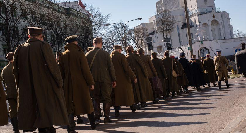 Wiadomości, Białystok piąty oglądał Marsz Cieni - zdjęcie, fotografia