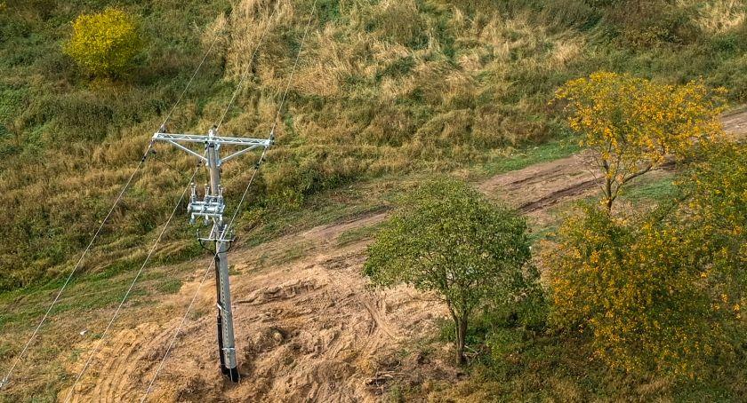 Gospodarka, Część drony pomagają energetykom - zdjęcie, fotografia