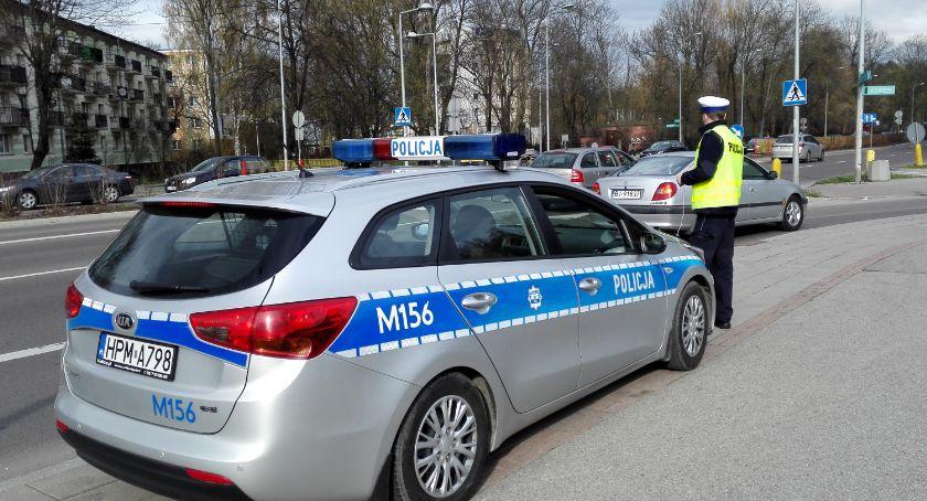"""Wiadomości, Policjanci piątku prowadzą akcję """"Bezpieczny weekend Wielkanoc"""" - zdjęcie, fotografia"""