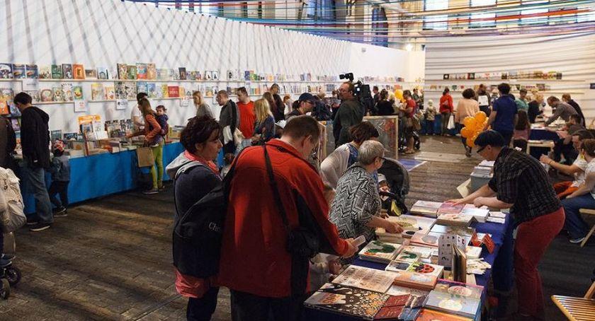 Kultura, Galeria Arsenał zaprasza Festiwal Książki Artystycznej - zdjęcie, fotografia