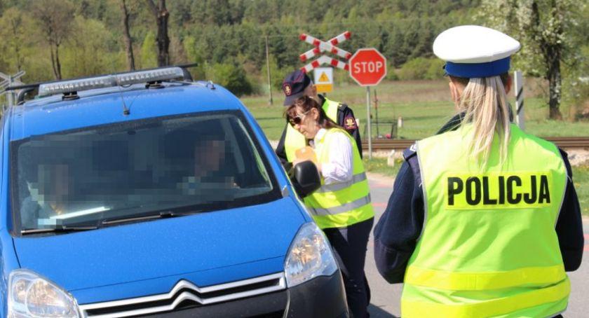 """Motoryzacja, terenie powiatu sokólskiego prowadzono działania """"Bezpieczny przejazd"""" - zdjęcie, fotografia"""