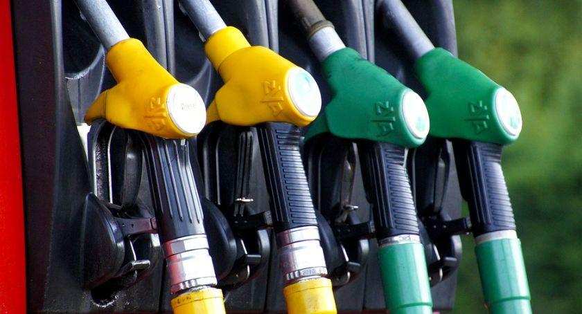 Motoryzacja, Wyjątkowo drogie wyjazdy majówkę paliw biją kolejne rekordy - zdjęcie, fotografia