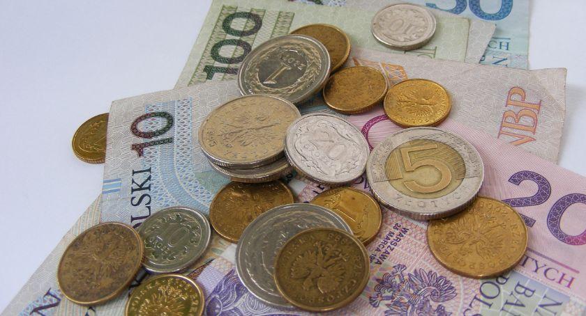 Gospodarka, pożyczki pozabankowe sięgnęło mniej Polaków - zdjęcie, fotografia