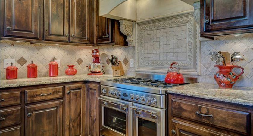 Nieruchomości, Kuchnia zaaranżować miejsce pomiędzy szafkami - zdjęcie, fotografia