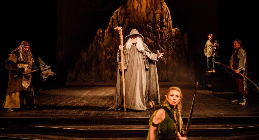 Kultura, Udana premiera Hobbita Dramatycznym - zdjęcie, fotografia
