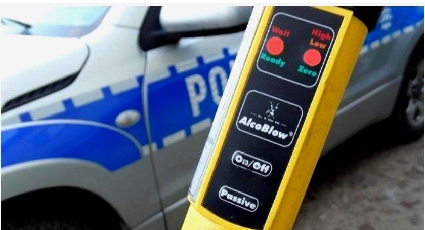 Motoryzacja, Tylko jednego policjanci zatrzymali sześciu pijanych kierowców - zdjęcie, fotografia