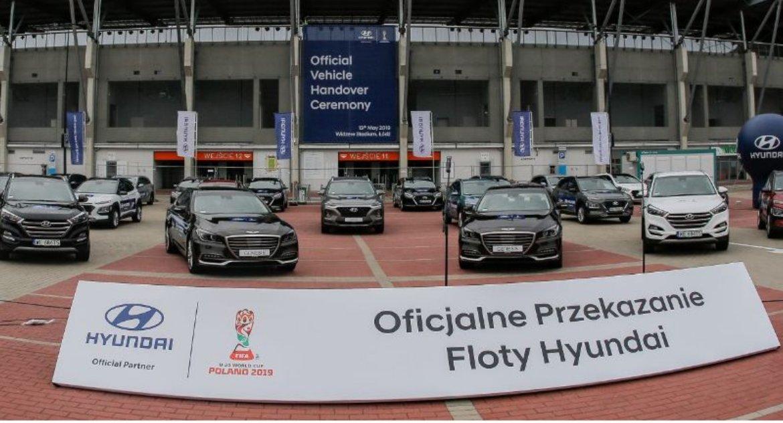 Motoryzacja, Hyundai wspiera mistrzostwa świata potrzeby turnieju przekaże ponad samochodów - zdjęcie, fotografia