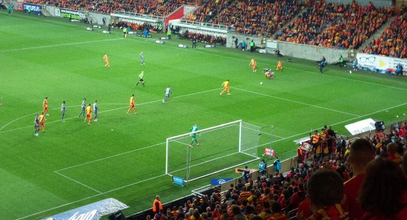 Piłka nożna, Jagiellonia pokonała Legię własnym boisku - zdjęcie, fotografia
