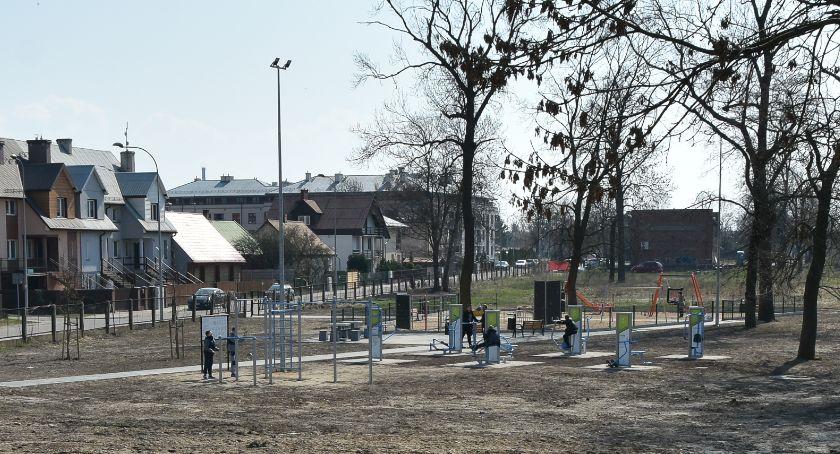 Sport, Poskakać będzie można Parku Trampolin osiedlu Starosielce - zdjęcie, fotografia