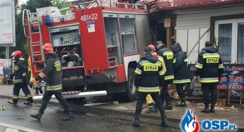 Wiadomości, który uderzył straży pożarnej generalnego remontu wyburzenia - zdjęcie, fotografia