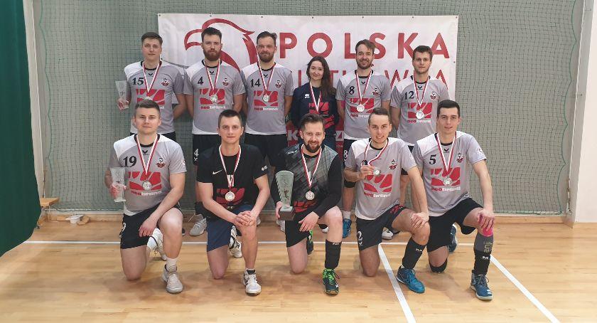 Sport, Amatorska drużyna piłki siatkowej Białegostoku wywalczyła tytuł wicemistrza - zdjęcie, fotografia