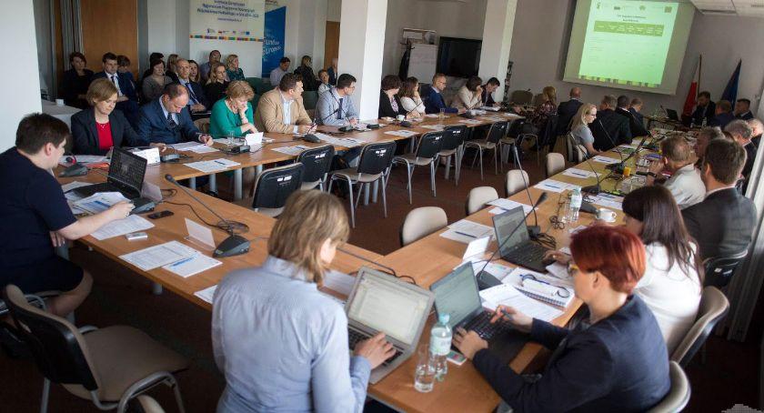 Gospodarka, Regionalny Program Operacyjny Województwa Podlaskiego Sprawozdanie ubiegły zostało przyjęte - zdjęcie, fotografia