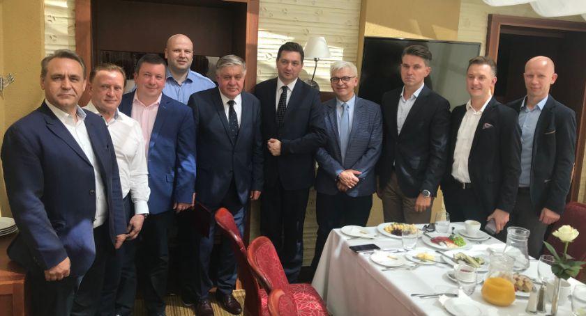 Wiadomości, Krzysztof Jurgiel zaproszony śniadanie przedsiębiorców - zdjęcie, fotografia