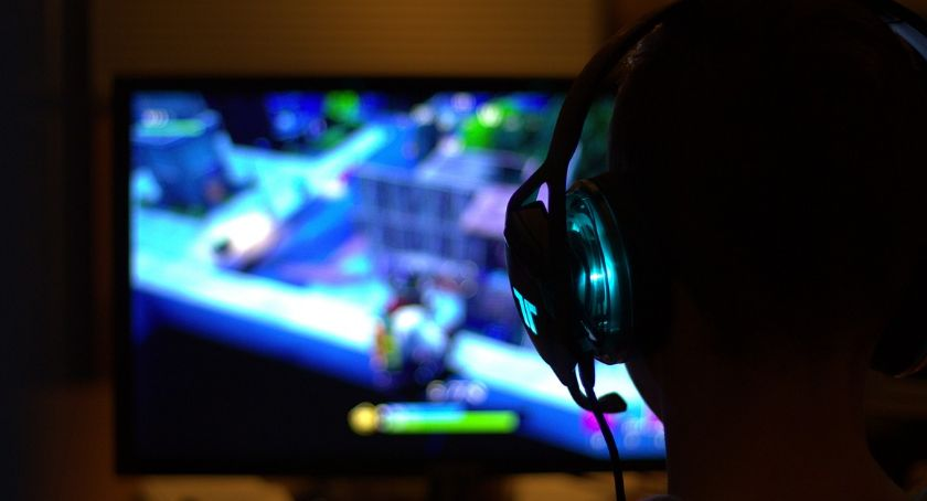 Wiadomości, Games United wsparciem Krynki - zdjęcie, fotografia