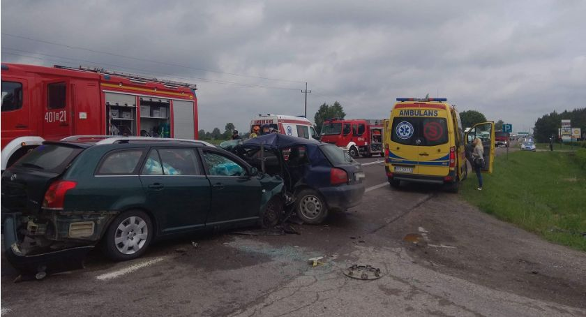 KOLIZJA 24, Przed wjazdem Augustowa zderzyły Kierowcy trafili szpitala - zdjęcie, fotografia