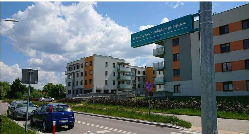 Wiadomości, zmiany ulicy Łupaszki wycofywanie rakiem - zdjęcie, fotografia